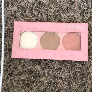 Ultra beauty highlight, contour & blush trio.
